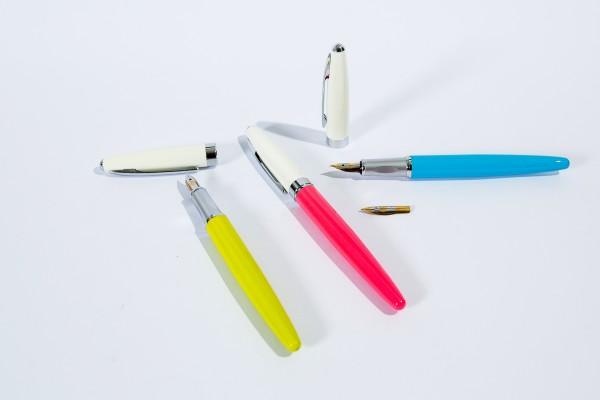 Bút máy ngòi mài E001