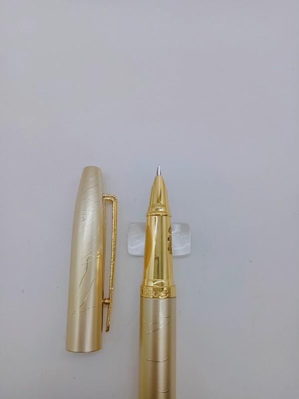 Bút máy Kim tinh ngòi mài thanh đậm E019