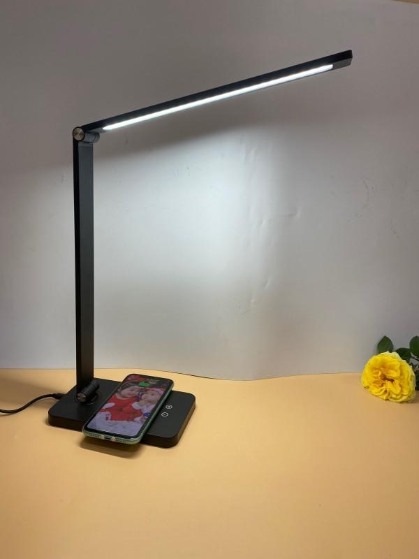 Đèn bảo vệ mắt có sạc điện thoại E362